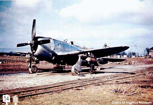 A P-47D-27-RE based in France